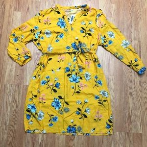 New with Tags! Old navy yellow dress size XL